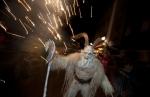 La sfilata a Dobbiaco é una delle più grandi in Alto Adige