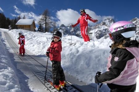 Le scuole di sci offrono programmi personali per ogni evenienza